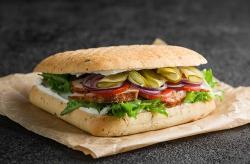 Сэндвич в чили булочке