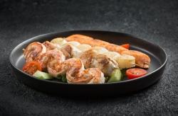 Шашлычок из лосося в соусе